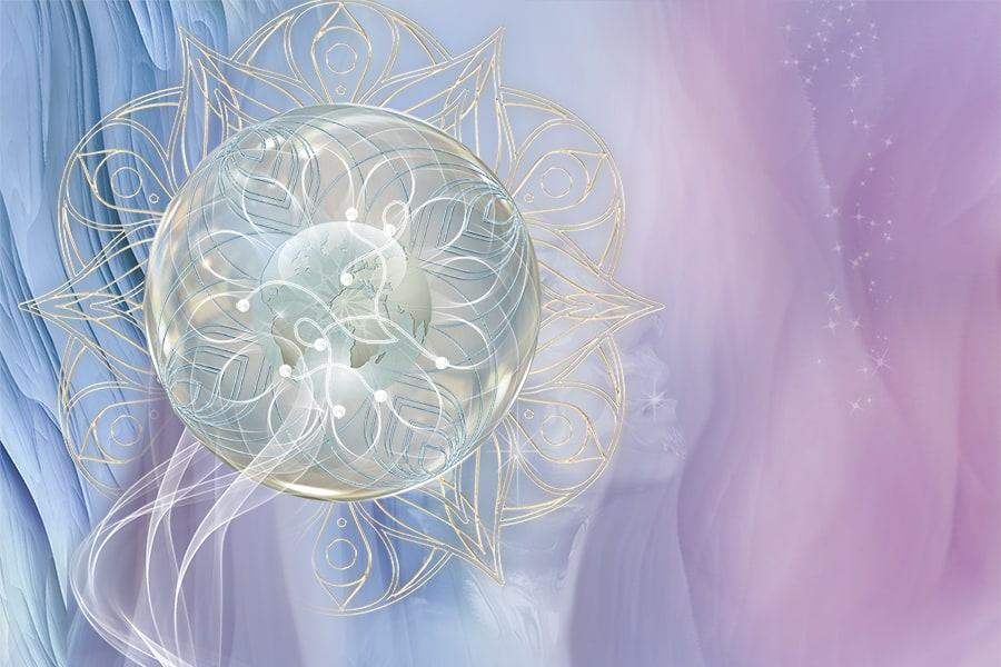 Mitmetele naisprintsiibi kihtidele tehakse holograafilisi parandusi, järjepidevalt lammutatakse tulnukate masinavärke ja eemaldatakse Tume-Naise energeetikat. Tume-Naise energia baas-asukoht on Kuu ja Kuu ebaloomulikku energiat kasutatakse jumaliku naiselikkuse moonutamiseks.